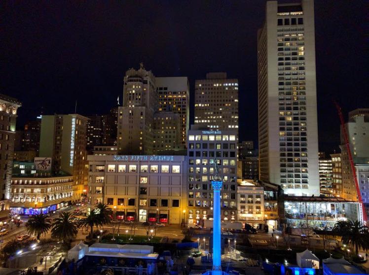 veduta dall'alto di San Francisco di sera
