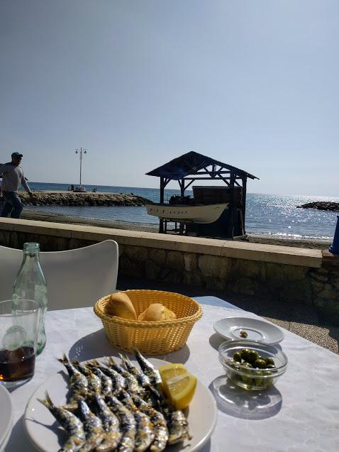 pranzo in riva al mare