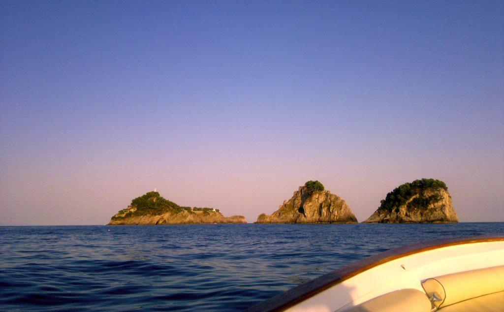 evitare il traffico in costiera amalfitana con un tour in barca al tramonto