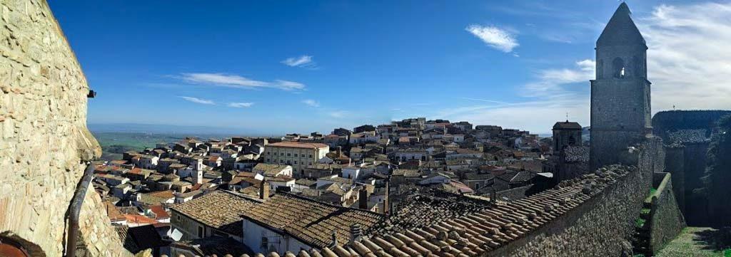vista panoramica sul borgo di Bovino nei dintorni di Foggia
