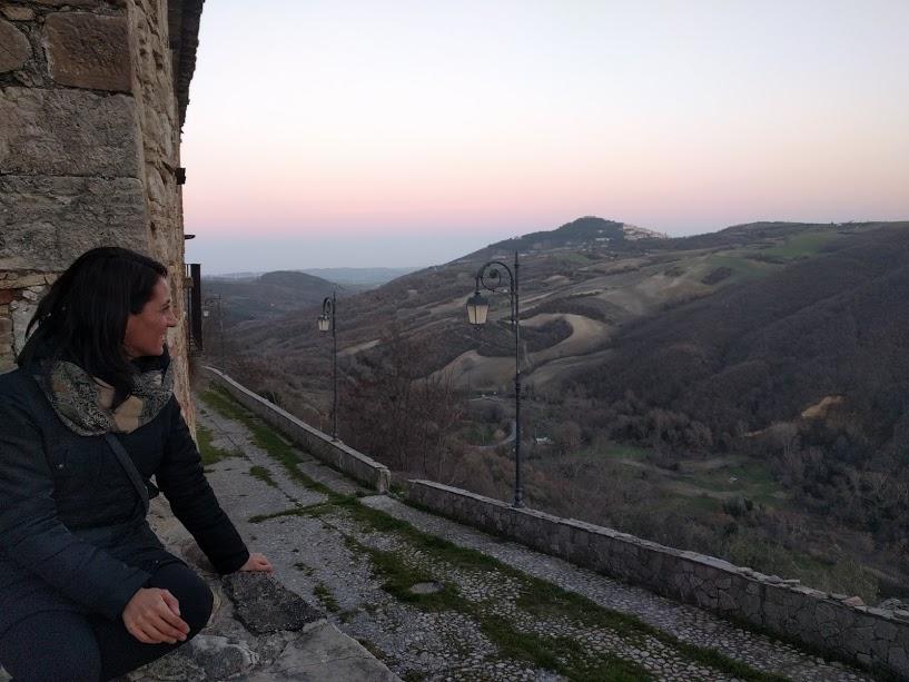 tramonto rosa sul verde dei Monti Dauni