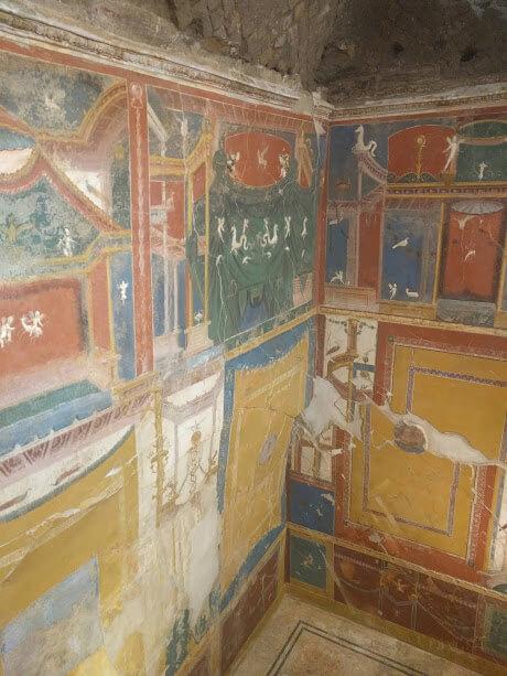 ritrovamento di affreschi