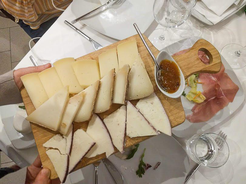 selezione di formaggi assortiti