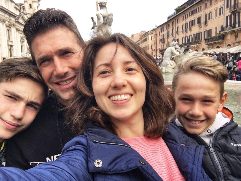una famiglia a spasso per il mondo