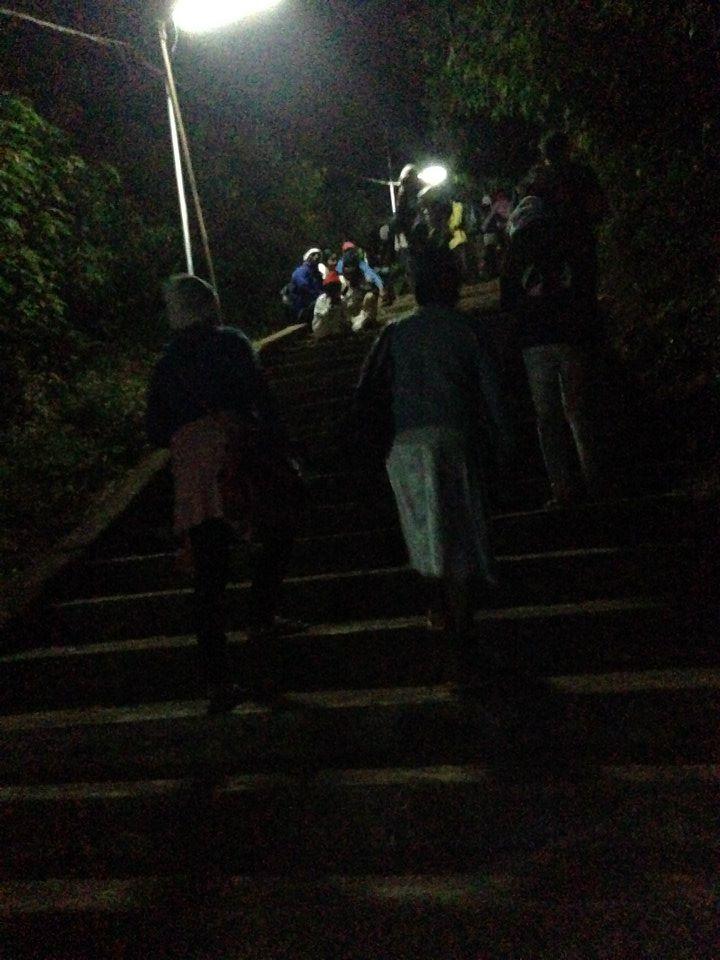 pellegrinaggio notturno in Sri Lanka