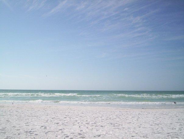 spiaggia di sabbia finissima andare al mare d'inverno