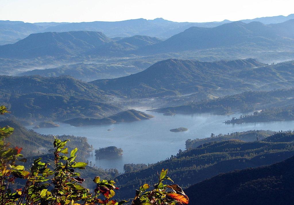 vista dall'alto della montagna