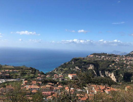 panorama sulla costiera amalfitana