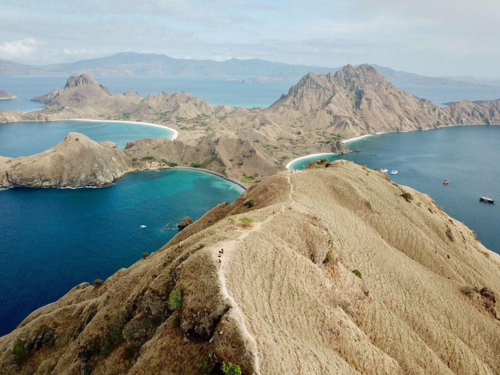 Isola di Komodo Indonesia, una delle sette meraviglie del mondo naturale