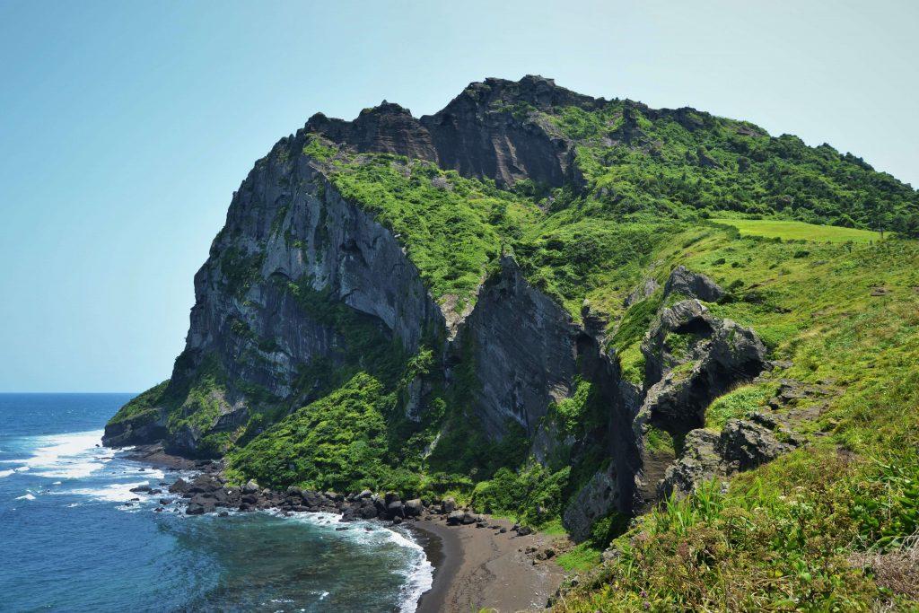 Isola di Jeju con i 300 vulcani spenti in Corea del Sud tra le sette meraviglie del mondo naturale