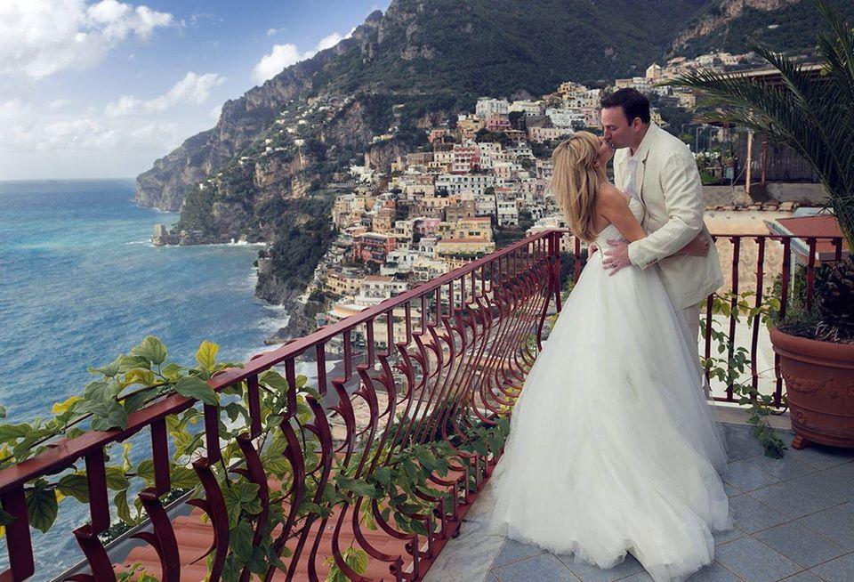 Due sposi nella magica cornice di Positano