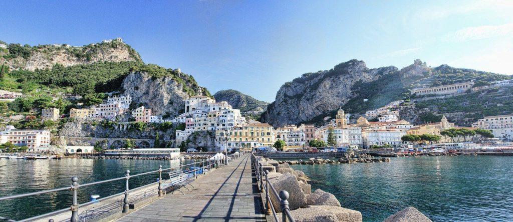 """Il """"Pennello"""" di Amalfi, il porto della passeggiata degli amalfitani"""