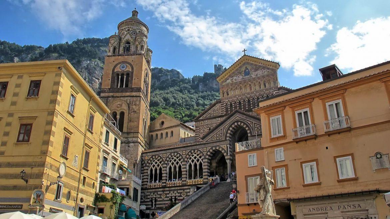Il Duomo diAmalfi dedicato a S. Andrea Patrono del paese patrimonio Unesco