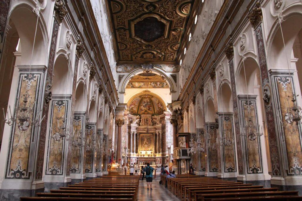 Interni in stile barocco del Duomo di S. Andrea di Amalfi