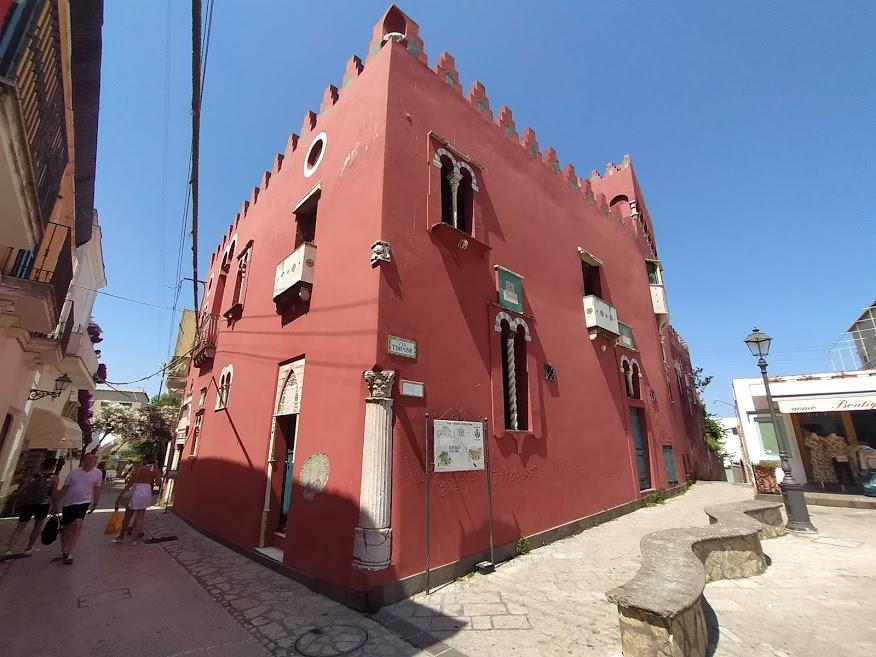 Cosa fare ad Anacapri: vedere la casa rossa