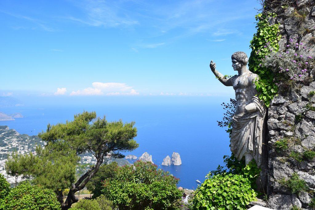 Vista da Monte Solaro, la cima più alta di Capri