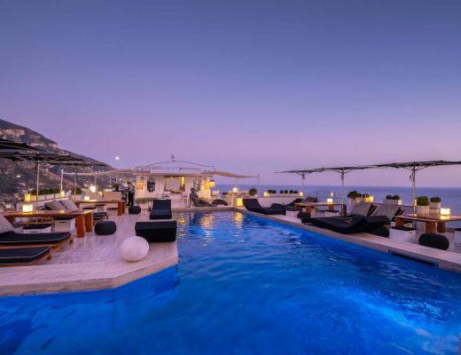 Terrazza panoramica e Sky BAr dell'Hotel Villa Franca di Positano, il cinque stelle di lusso con la terrazza per aperitivo con vista più glamour della costiera amalfitana.