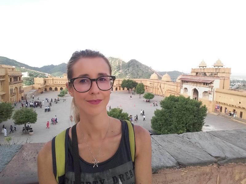 Silvia Vettori, co-autrice del blog Bagaglio Leggero sui escursion in montagna e racconti di viaggio